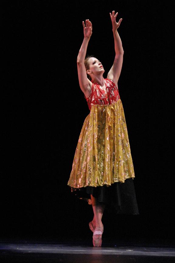 Renata Hinrichs dance